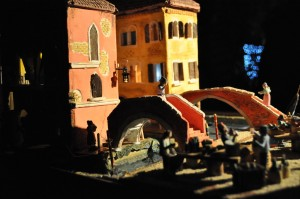 Image of Nativity scenes n which the figures take life amid the canals of the City of Venice