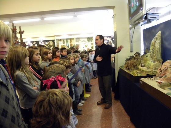 Visita alumnes escola Virolai durant actes celebració 50 anys del centre