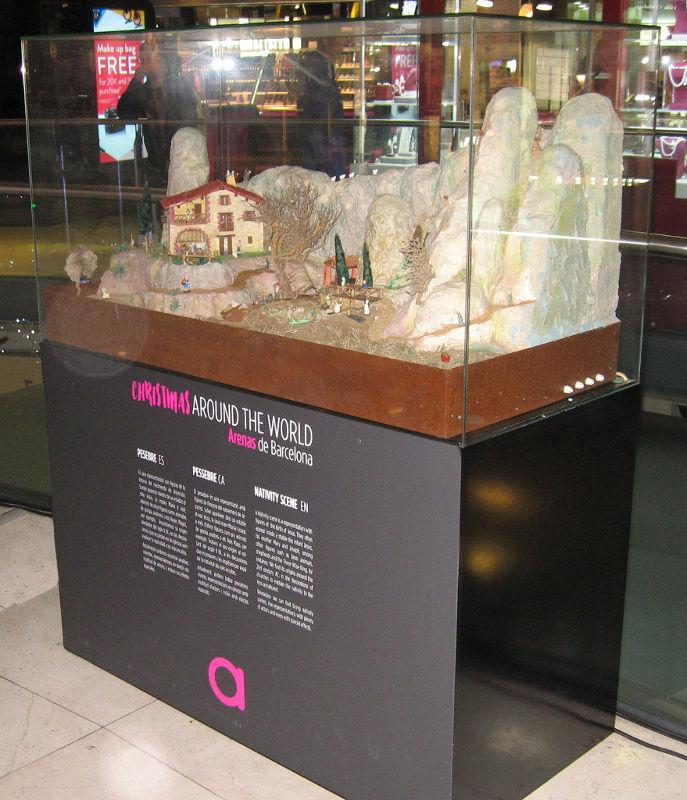 Exposición pessebremoviment. Christmas around the world en el centro comercial Las Arenas