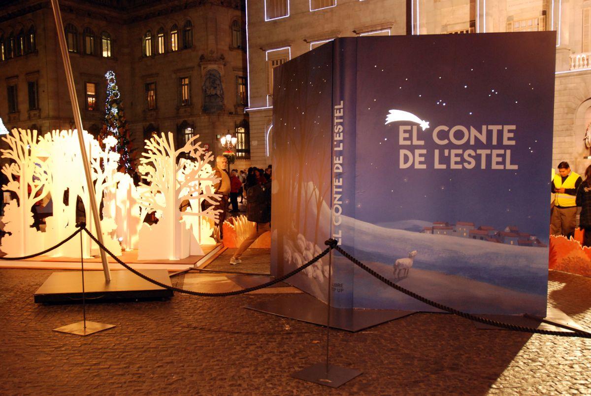 Imatge Pessebre plaça Sant Jaume 2015. Llibres de conte